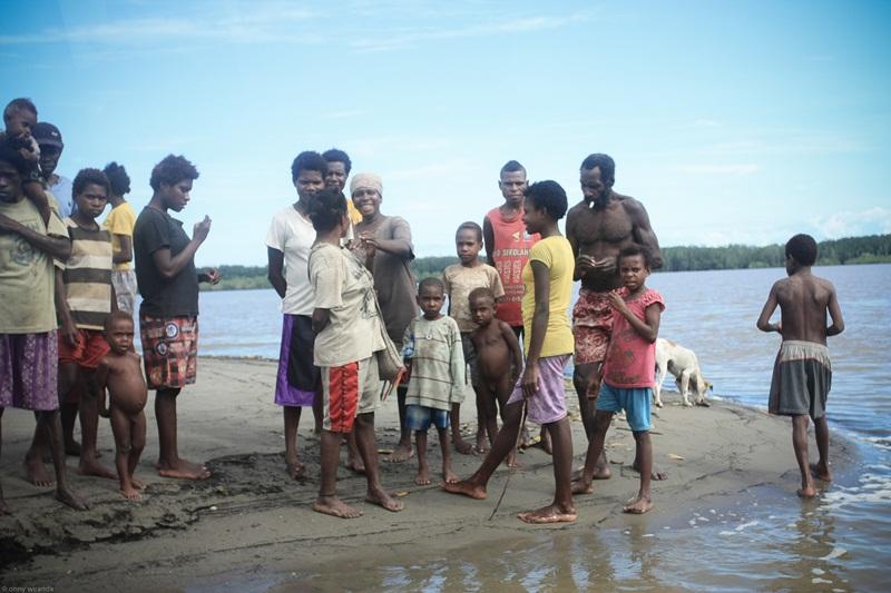 Orang Kamoro di Omauga, Mimika.